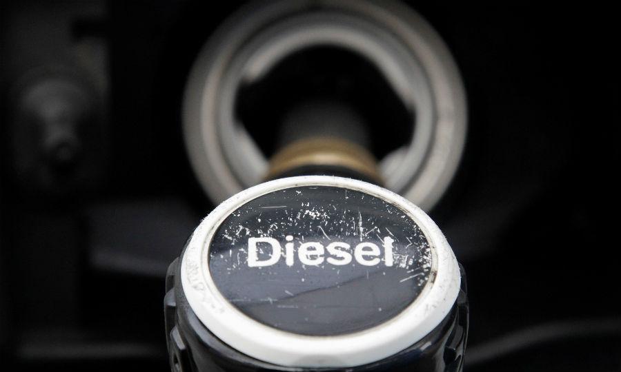 VW, Mercedes, Renault will update software in 600,000 diesel