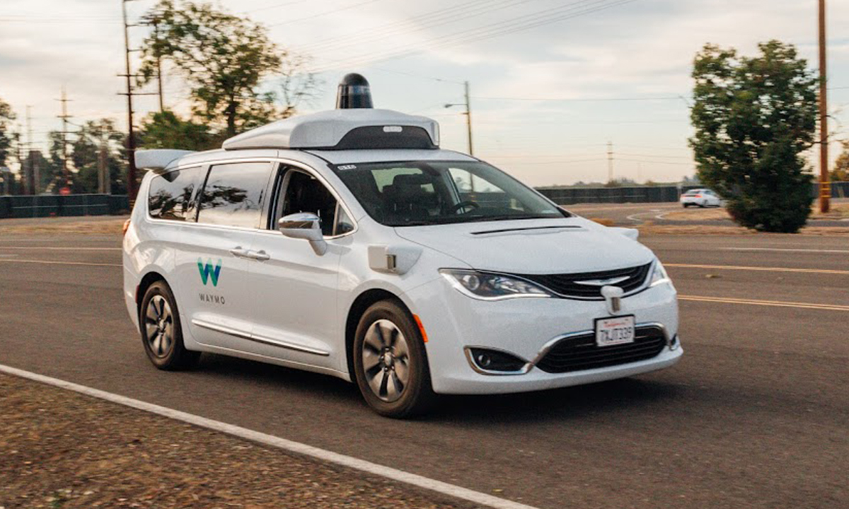 In self-driving car race, Waymo leads traditional automakers