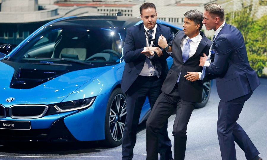 Bmw Ceo Krueger Collapses On Stage At Frankfurt Show
