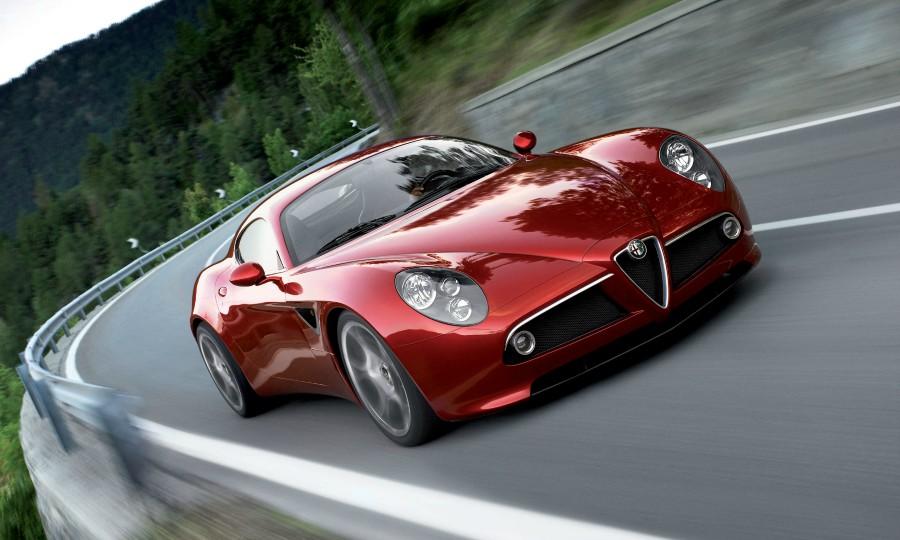 Alfa revives halo 8C, GTV sports cars