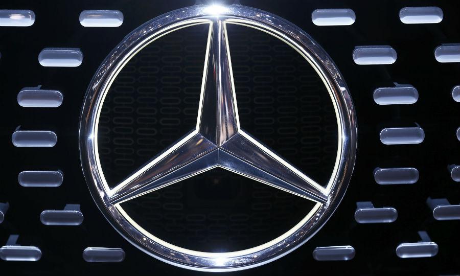 Mercedes diesel probe in U S  finds possible 'defeat' software