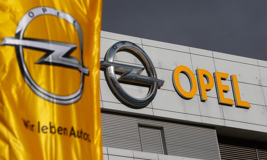 Opel union accepts PSA plan to transfer employees to French