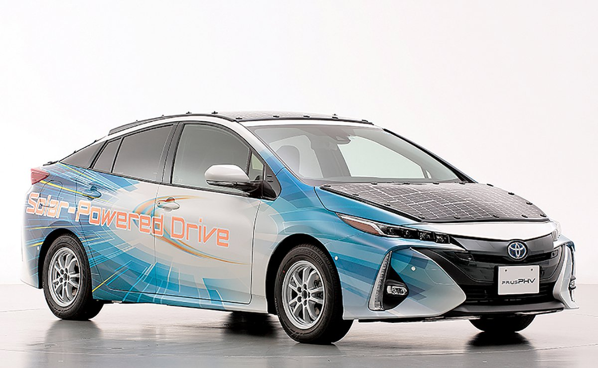 Toyota tries sun power to boost Prius