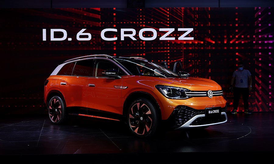 VW launched the ID6 Crozz at the Shanghai show.