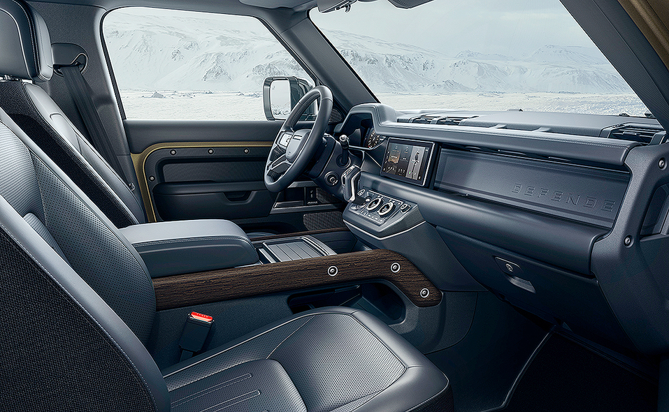 2020_lr_defender_interior_dark_12.jpg