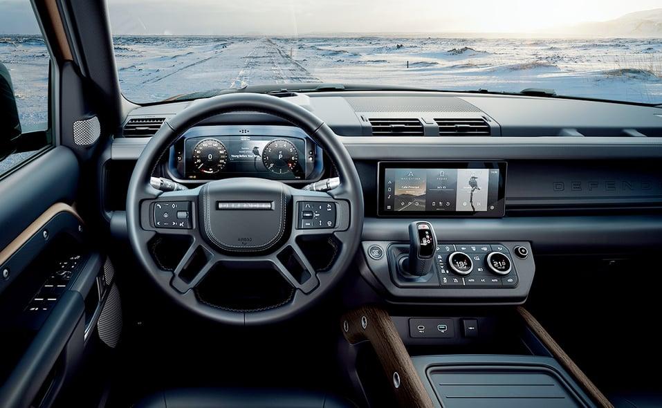 2020_lr_defender_interior_driver_cockpit_08.jpg