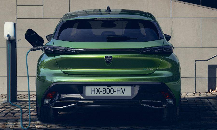 Green Peugeot 308 6.jpg