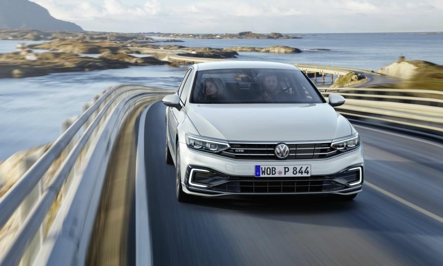 VW Passat gets cleaner diesel, partial autonomy