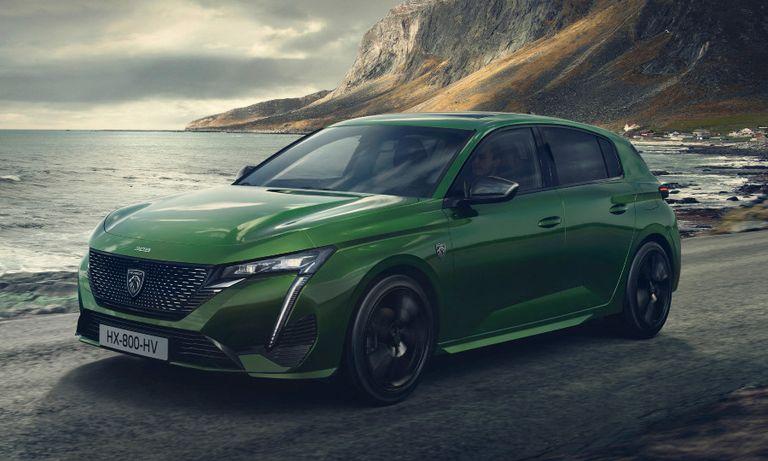 Green Peugeot 308 1.jpg