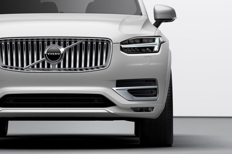 Volvo front grille