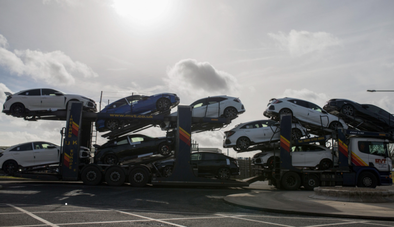Automakers seek Brexit phase-in period to avoid border problems