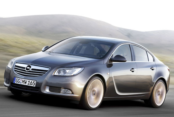 Opel launches Insignia Web video