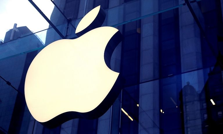 Why Apple must target the $230B luxury car market