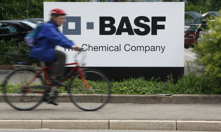 BASF aims to cut cost of gasoline catalysts with switch from palladium to platinum