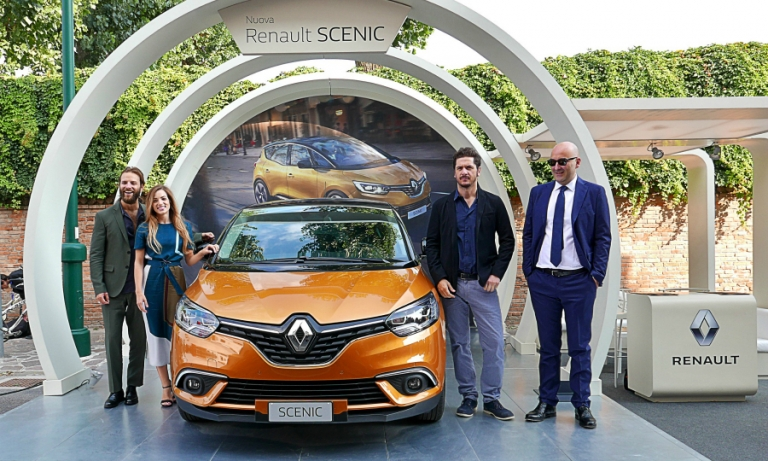 Renault movie fishes for new Scenic buyers