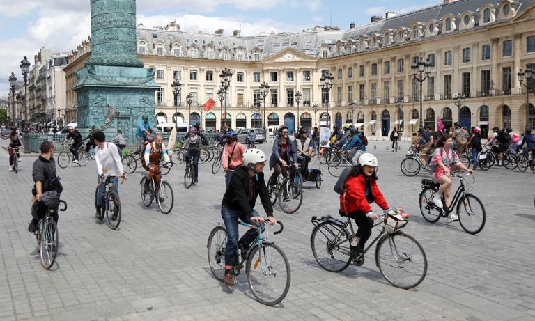 France could offer cash to scrap cars for electric bikes