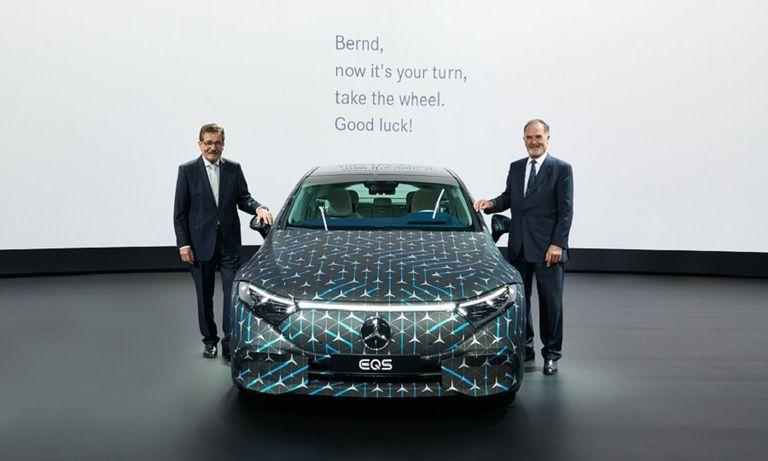 Daimler's new chairman, Bernd Pischetsrieder, with Manfred Bischoff