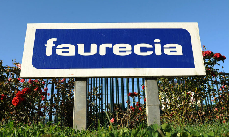 Faurecia targets growth after 2019 profit rise