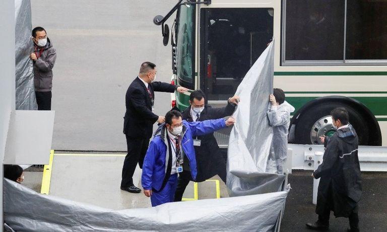 Ghosn Taylors arrive in Japan web.jpg
