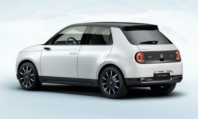 Japanese automakers take niche minicar approach in EV push