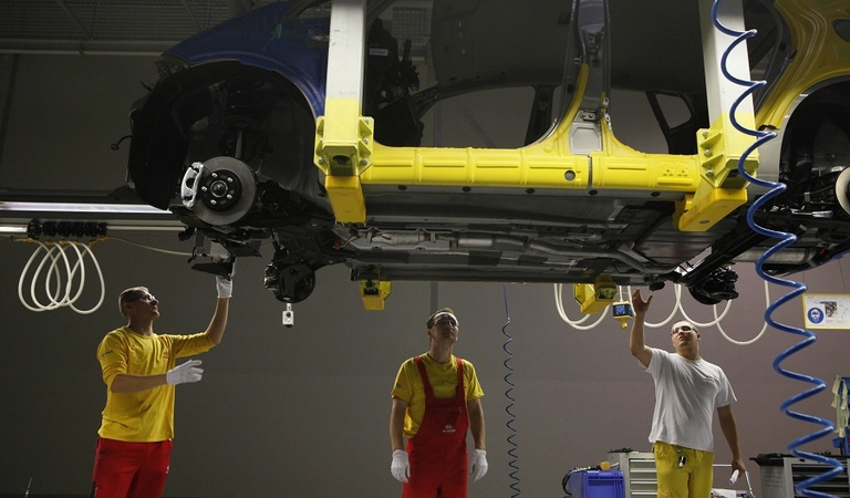 Kia resumes partial output at Slovakia plant