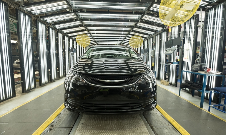 FCA extends 3rd shift at Canada plant until end of year