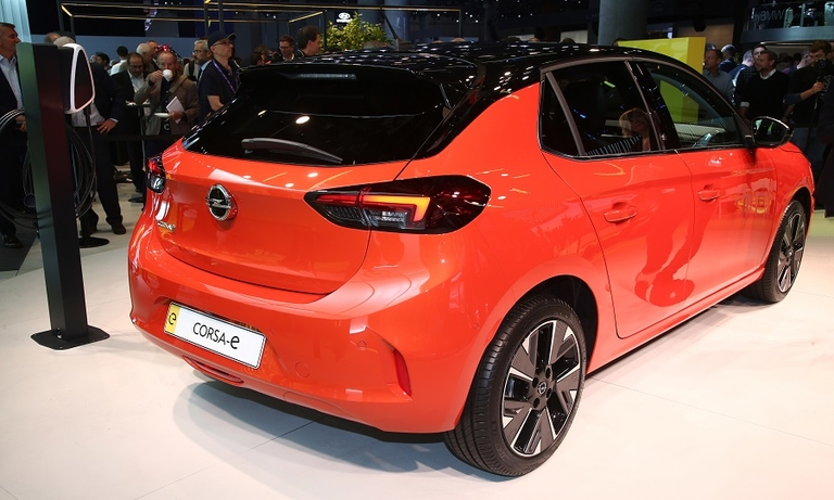 Opel looks to fix rough EV past with Corsa-e