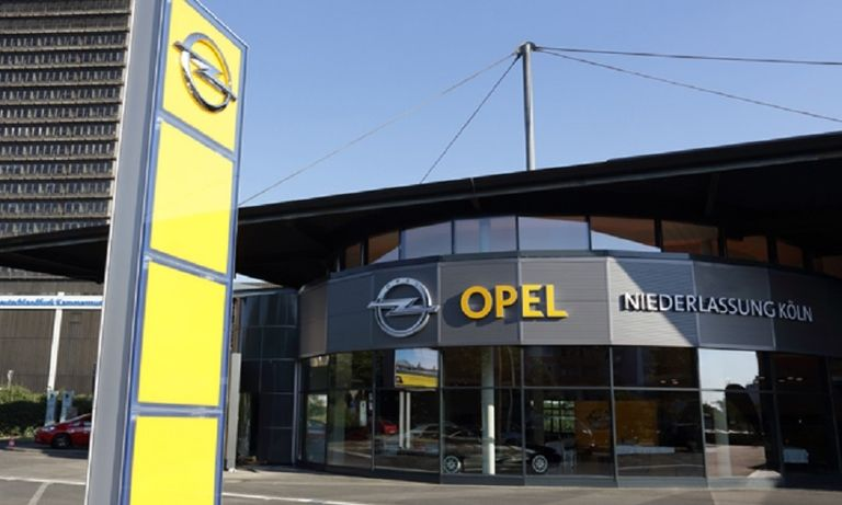 German dealer group calls for showroom reopenings amid COVID surge