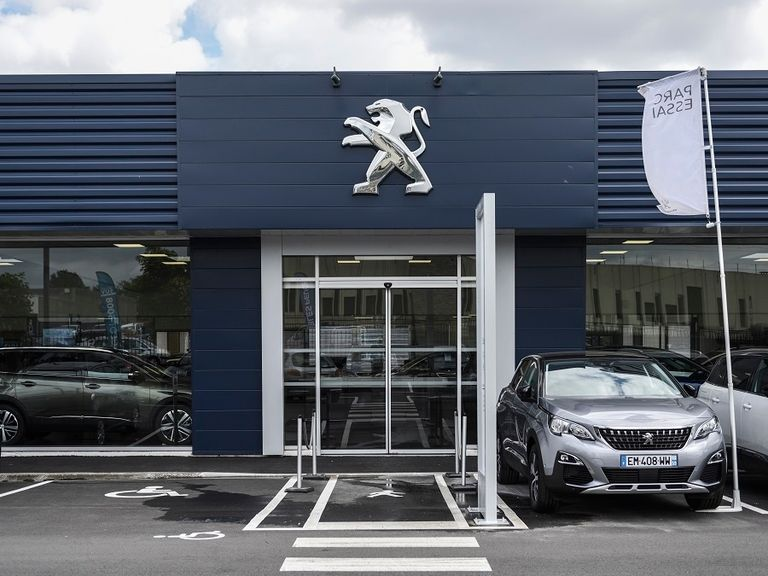 French dealerships face lockdown blow