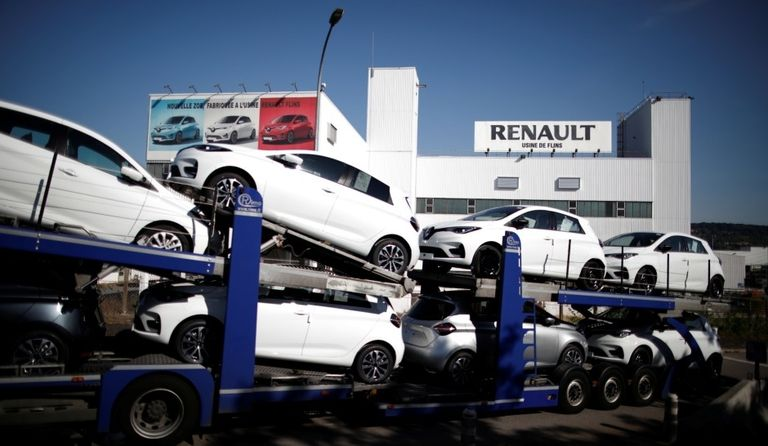France plans to trim EV subsidies, lower limit for CO2 penalties