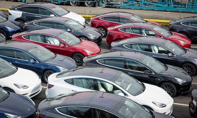 Tesla, Volvo are winners in a German market down 31% in January
