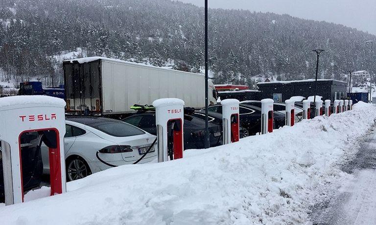Tesla charging station Gulsvik, Norway
