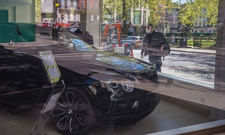 UK to allow car showrooms to reopen ahead of other businesses