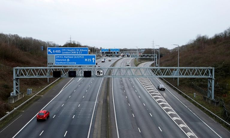 UK government approves 'self-driving' cars on motorways