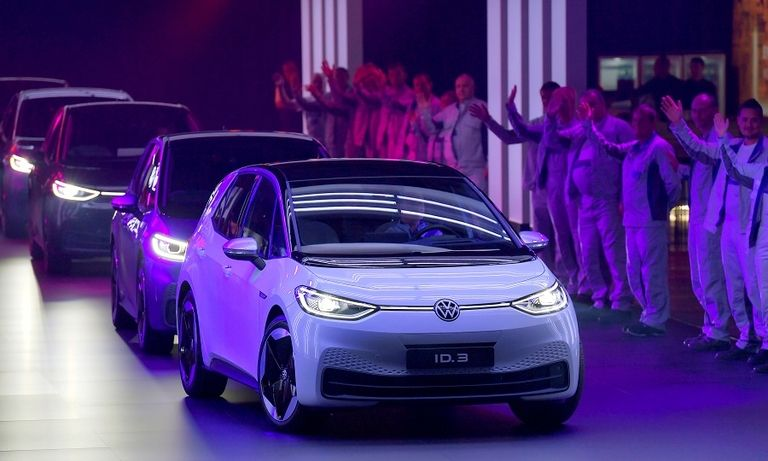 VW Group strategy chief Jost quits