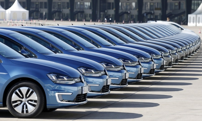 European auto industry faces tough CO2 emissions reduction target for 2030