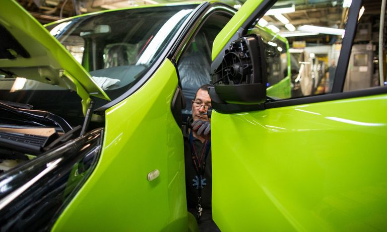 Vauxhall Luton van production