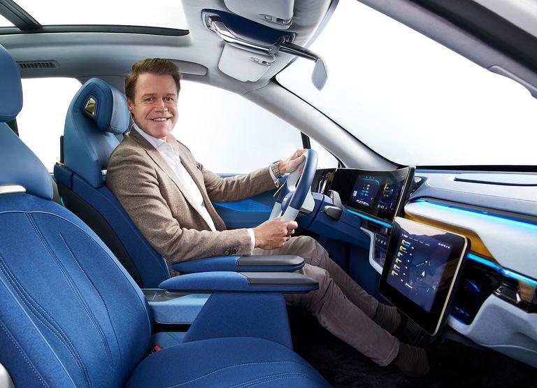 How Yanfeng gave the car interior a brain