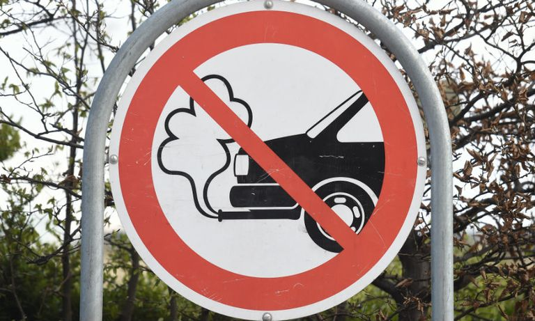 UK to ban sale of non-hybrid fossil fuel cars from 2030, report says