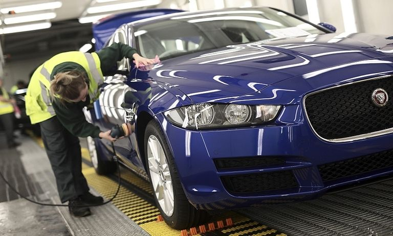 UK car industry warns of Brexit costs as it pushes for investment