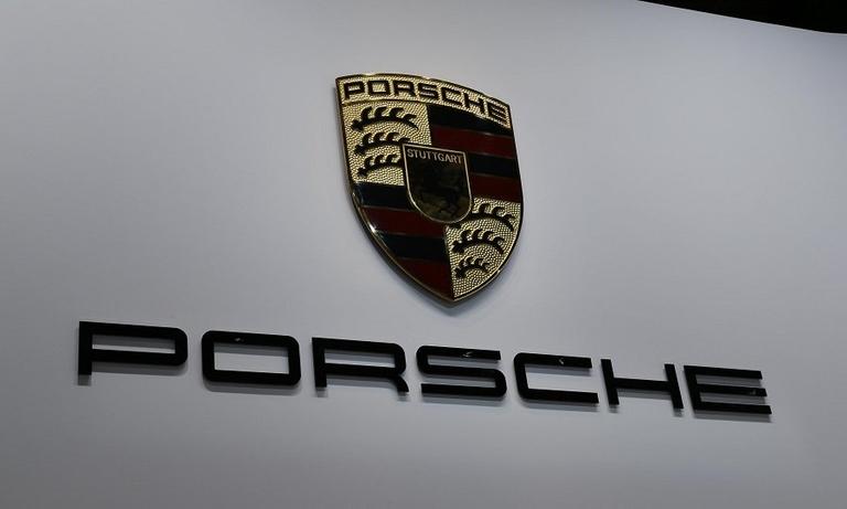 Porsche expands N. America subscription service