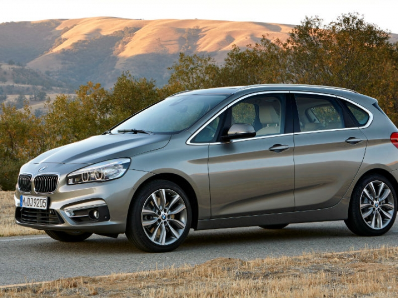 With Its New Minivan Bmw Ditches Rwd For Practicality