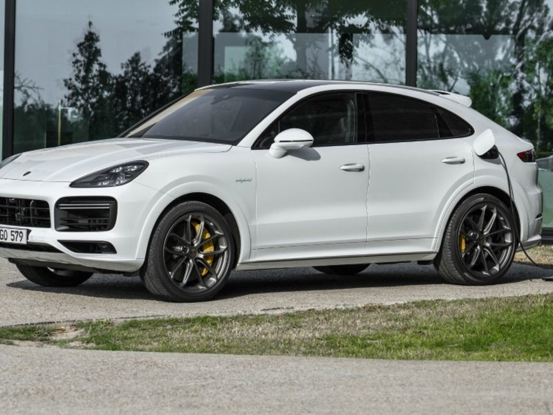 Porsche adds plug-in hybrid option to Cayenne coupe