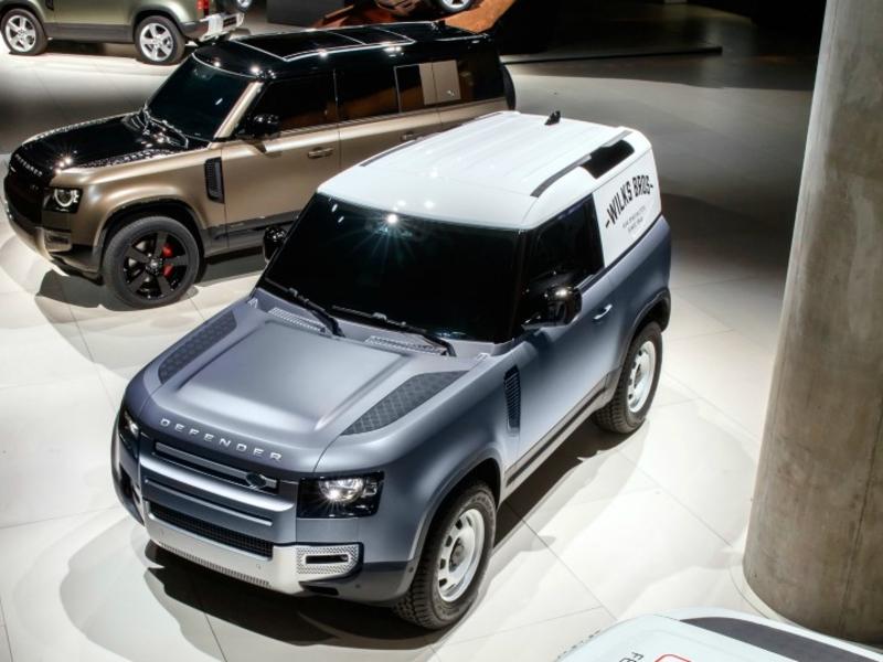 BMW should buy Jaguar Land Rover, Bernstein says - Automotive News Europe thumbnail