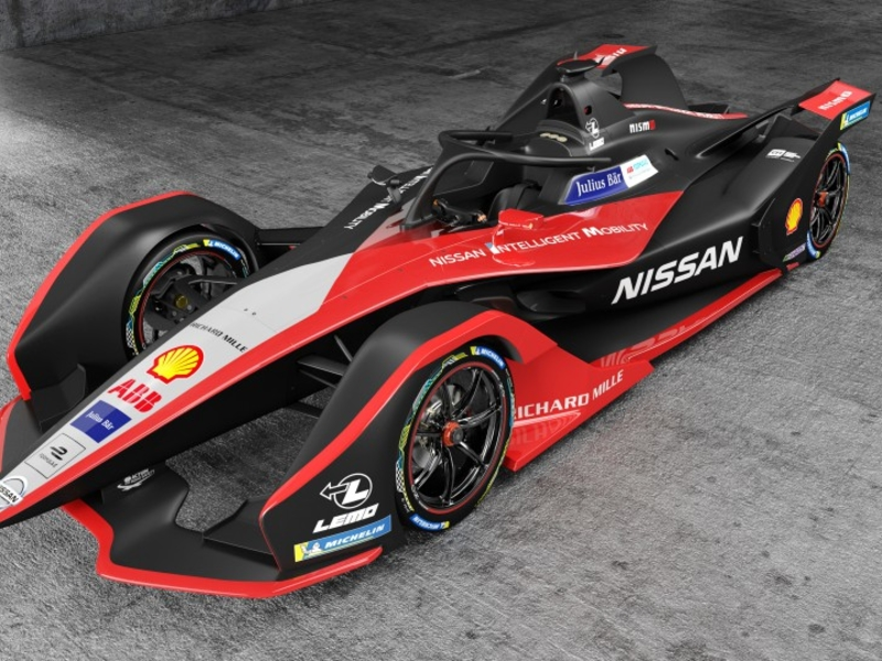 Formula E races to keep pace with EV technology