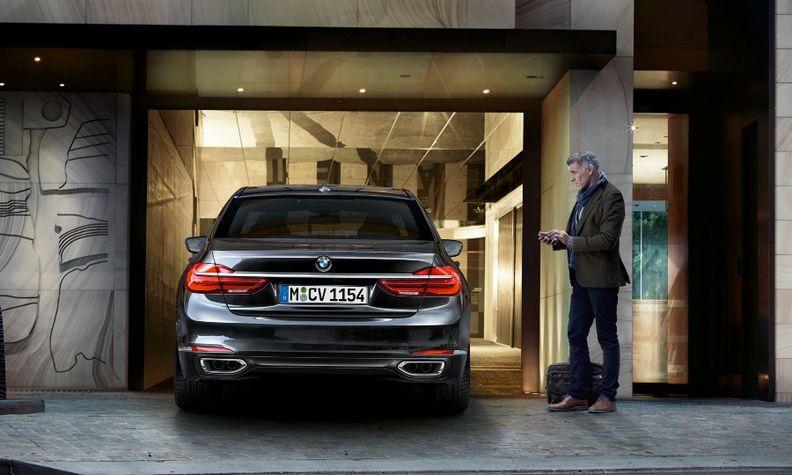 BMW 7-Series auto parking.jpg