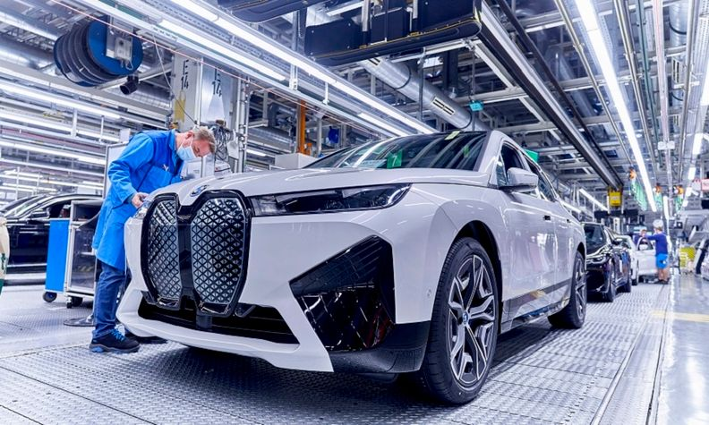 BMW iX production Dingolfing