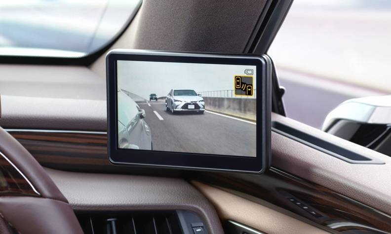 Lexus Dumps Side Mirrors For Sleek Digital Camera