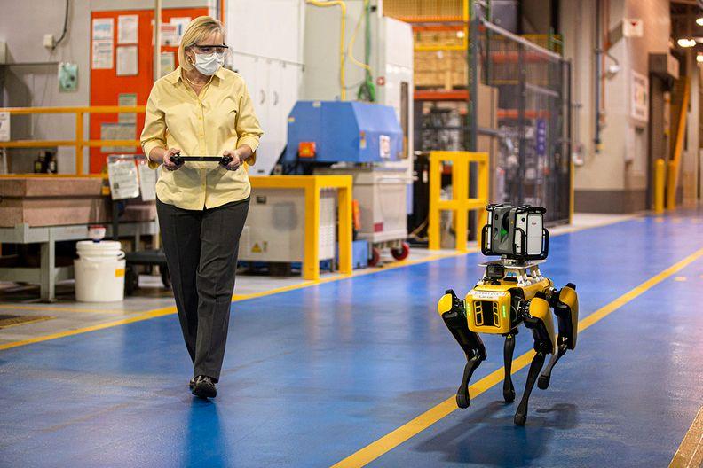 Ford Robot-MAIN_i.jpg