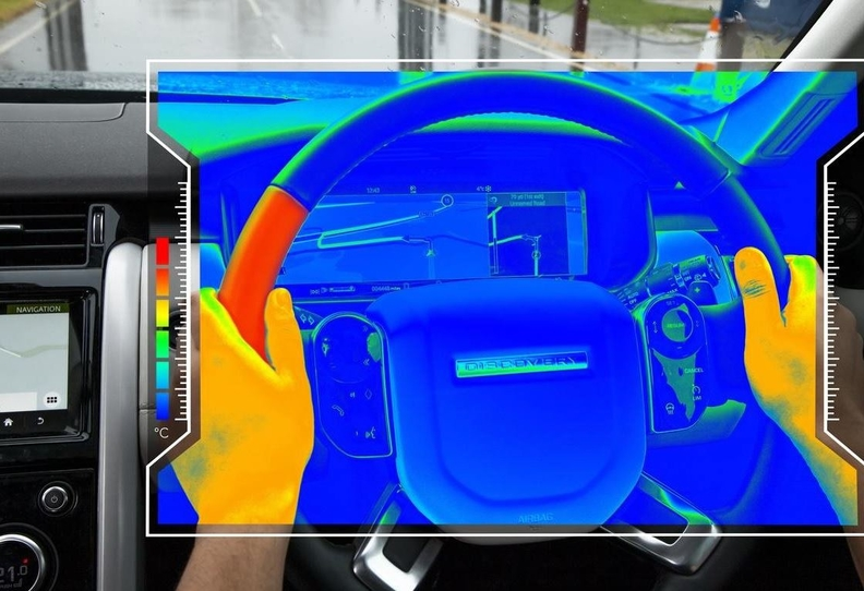 Jaguar Land Rover's 'sensory steering wheel' uses temperature to send messages